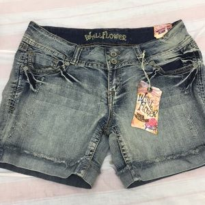 WALLFLOWER denim short
